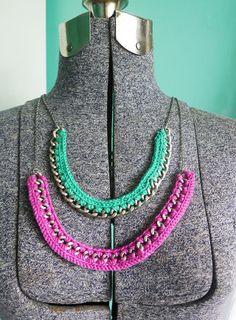 stitch: 8 Crochet Necklace Tutorials + Patterns || CraftFoxes