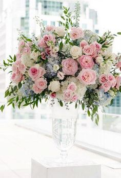Wedding centerpieces are one of the key positions of the wedding decor. The most impressive, of course, are the floral wedding centerpieces. Pink Flower Arrangements, Wedding Flower Arrangements, Centerpiece Flowers, Centerpiece Ideas, Floral Centrepieces, Unique Wedding Centerpieces, Wedding Decorations, Floral Wedding, Wedding Flowers