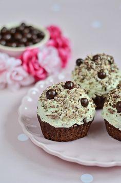 Babeczki czekoladowe z kremem mietowym KAKU fashion cook / chocolate muffin with mint cream