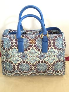 00ba8410316d Tory Burch Robinson Bahama Printed Triangle Convertible Purse Tote