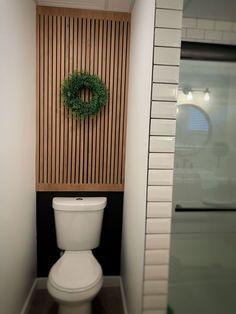 Toilet Wall, Toilet Paper, Rubio Monocoat, Plywood Table, Installing Laminate Flooring, Diy Bathroom Decor, Bathroom Stencil, Garage Bathroom, Bathrooms