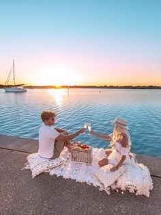 GypsyLovinLight in Western Australia Photo - Bobby Bense Land Before Time, Gold Flip Flops, Beach Vacation Outfits, Us Swimming, Tropical, Australia Photos, Beach Picnic, Beach Look, Beautiful Moments