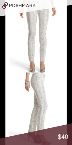"""White House Black Market Snake print pants Smooth stretch cotton pant is slim to the ankle in an ecru, champagne and silver-grey snake print with metallic gold top-stitching. 97% Cotton, 3% Spandex. Sits below the waist. Slim leg. Zip front with signature goldtone shank button. Front pockets have crystal and soft goldtone rivets. Logo plaque on the back pocket. Inseams: 31"""" White House Black Market Pants Skinny"""