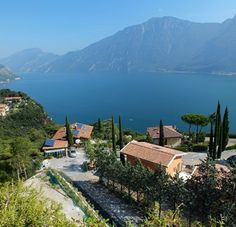 The Italian Lakes: Free travel guides, itineraries and other resources