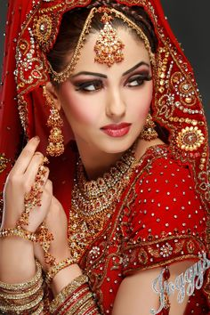 Indian Bridal Make up Indian Bridal Fashion, Indian Bridal Makeup, Asian Bridal, Bridal Beauty, Bridal Looks, Bridal Style, Braut Make-up, Bride Makeup, Wedding Makeup