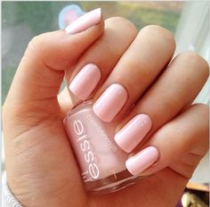 Essie nail polish in Fiji. My fave Essie color! Nail Art Vernis, Essie Nail Polish, Nail Polish Colors, Color Nails, Love Nails, How To Do Nails, Pretty Nails, My Nails, Fiji Nails