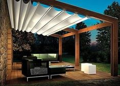 Great deck covering that can be retracted when desired. FRChateau