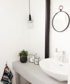 cottage white bathroom