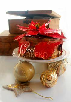 All I want for Christmas is cake! ha ha Poinsettia Cake!