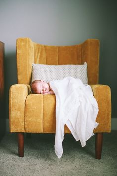 Lifestyle Newborn Photography | Kati Mallory Photo & Design