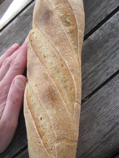 barra de pan con masa madre, trigo y centeno