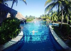 @laurieadornato Enjoying the pool In Mexico!