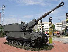 SSPH1 PRIMUS.El obús autopropulsado Singapore Self-Propelled Howitzer 1 (SSPH 1) Primus es el montaje de un obús de 155 mm/39L. Desarrollado en conjunto con las Fuerzas Armadas de Singapur
