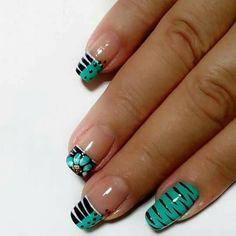 Teal nail art design | animal print nail art | short nails | for summer