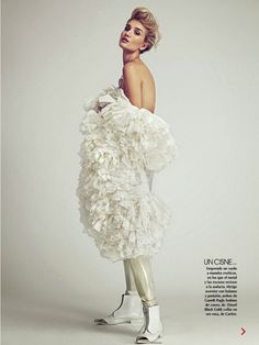 Rosie Huntington-Whiteley poses in white ruffles// Photo by James Macari for Vogue Mexico