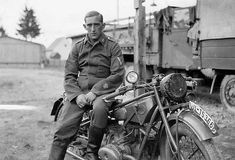 Luftwaffe Field Division soldier with motorcycle Nagasaki, Hiroshima, German Soldiers Ww2, German Army, Luftwaffe, Kdf Wagen, Sidecar, Germany Ww2, Cool Motorcycles