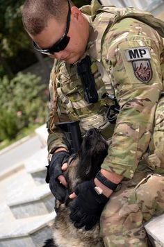 Military dog & his handler...God Bless you can see the love these handlers have for their dogs & vice versa♥