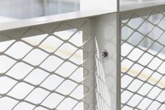 Garde Corps Metal, Expanded Metal Mesh, Steel Handrail, Lobby Interior, House Stairs, Decorative Panels, Stair Railing, Facade Architecture, Fence Design