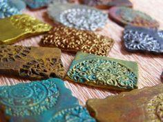 Pequeñeces: Efectos metálicos con pinturas acrílicas
