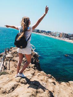 Unser City Guide für Barcelona auf dem Blog! Mit vielen Highlights: z.B. der Strand in Blanes Barcelona, Strand, Highlights, Mini Skirts, Blog, Travel Report, Sustainability, Places, Destinations