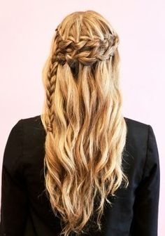 Click for 20 amazing waterfall braid tutorials – so cute!