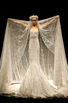 Wedding dress that belongs in a forest (Elie Saab ♥)