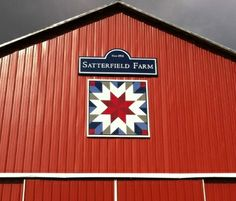 what is a barn quilt - Yahoo Image Search Results Barn Quilt Designs, Barn Quilt Patterns, Quilting Designs, Block Patterns, Sewing Patterns, Barn Wood Crafts, Barn Wood Projects, Gambrel Barn, Amigurumi