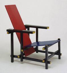"""As 11 cadeiras mais incríveis da história do design. Entre elas, a famosa cadeira """"Red and Blue"""", ícone não apenas do design, mas também da arte."""