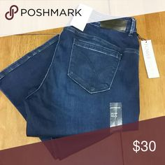 """Curvy Bootcut Calvins Size 33x30 Calvin Klein jeans. Straight waist, curvy fit boot leg opening power stretch. Perfect length for me at 5'3"""". Calvin Klein Jeans Boot Cut"""
