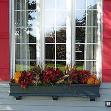 Suzy Homefaker: WINDOW BOX DEAS