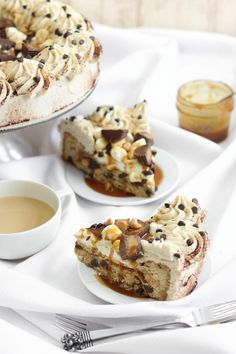 The entertaining experts at HGTV.com share 35 fall-themed dessert recipes to…