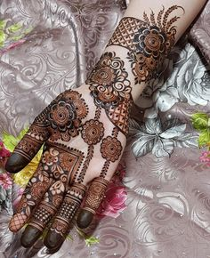 50 Most beautiful Gazipur Mehndi Design (Gazipur Henna Design) that you can apply on your Beautiful Hands and Body in daily life. Modern Henna Designs, Latest Bridal Mehndi Designs, Floral Henna Designs, Henna Art Designs, Mehndi Designs For Girls, Mehndi Designs 2018, Dulhan Mehndi Designs, Mehndi Designs For Fingers, Wedding Mehndi Designs
