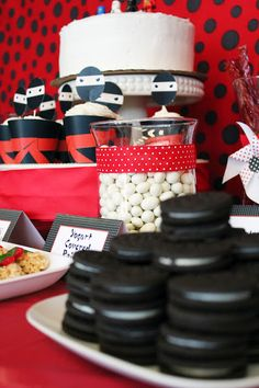 Ninja Party Ideas by @Laura Craft Metallo from Confessions of a Serial Cheapskate
