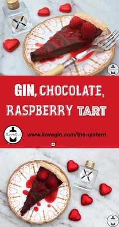 Dark chocolate, raspberries and GIN. this tart is so delicious! Chocolate And Raspberry Tart, Raspberry Tarts, Gin Tasting, Gin Gifts, Gin Recipes, Gin Tonic, Fine Dining, Yummy Food, Sweets