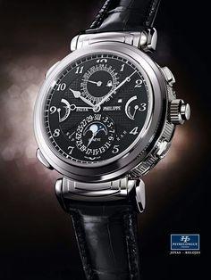 #TiempoPeyrelongue Grandmaster Chime referencia 6300. Dotado de su propia imagen rediseñada, este reloj se impone como el reloj de pulsera más complicado de la colección base Patek Philippe & Co.. Y es también el primer reloj de pulsera con gran sonería en la historia de la manufactura que se incorpora a la colección base. Un modelo que, por su construcción, puede llevarse a cualquier hora del día.