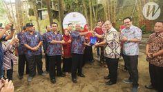 Berkat Kotaku, BKM Karangwaru Terima Penghargaan BKM Award