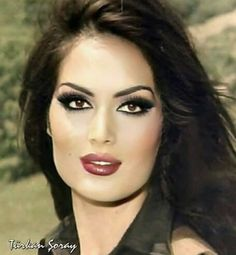 Brunette Beauty, Hot Brunette, Hailey Baldwin, Beautiful Asian Girls, Beautiful Women, Beatiful People, Monaco, Celebrity Stars, Bollywood
