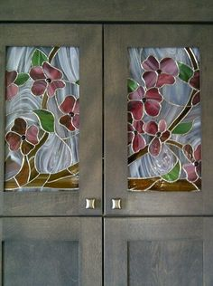 63 Ideas Stained Glass Door Window Kitchen Cabinets For 2019 Stained Glass Cabinets, Stained Glass Paint, Stained Glass Flowers, Stained Glass Designs, Stained Glass Panels, Stained Glass Projects, Stained Glass Patterns, Leaded Glass, Mosaic Glass