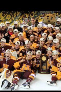 Women's Minnesota gophers undefeated #iseegoldy