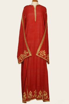 Chemise from Magnesia, Thessaly from the  collection of the Lyceum Club of Greek Women