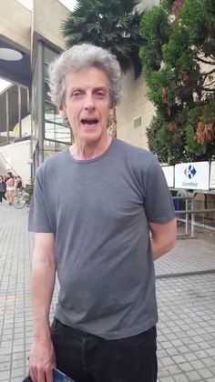 This is the most delightful video. And how gorgeous does he look in his black jeans and t shirt! allura on Twitter: Peter Capaldi...