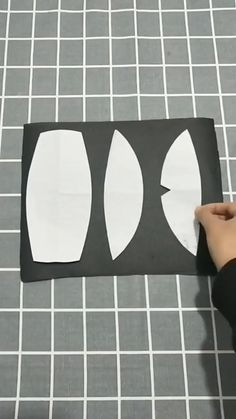 Easy Face Masks, Diy Face Mask, Sewing Hacks, Sewing Tutorials, Mouth Mask Fashion, Diy Mask, Sewing Patterns Free, Free Sewing, Sewing Techniques