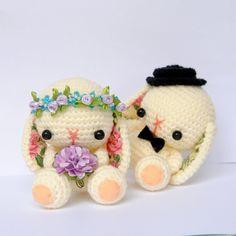 Wedding Bunnies Ana w :*** Crochet Animal Amigurumi, Amigurumi Patterns, Crochet Animals, Crochet Dolls, Easter Crochet, Cute Crochet, Crotchet, Christmas Crochet Patterns, Crochet Animal Patterns