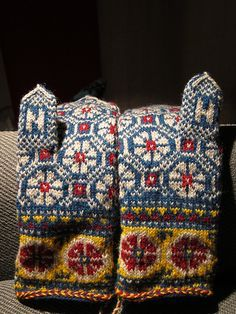 Ravelry: QueenMudd & # s Sunny side Knitted Mittens Pattern, Fair Isle Knitting Patterns, Knit Mittens, Knitted Gloves, Knitting Designs, Knitting Socks, Knitting Projects, Hand Knitting, Sampler Quilts