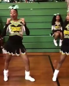 This is so funny Cheerleading Tryouts, Cheer Stunts, Cheerleading Outfits, Volleyball Drills, Volleyball Quotes, Volleyball Gifts, Cheer Dance Routines, Cheer Moves, Cheer Workouts