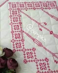 Folk, Palestinian Embroidery, Prayer Rug, Handicraft, Diy And Crafts, Cross Stitch, Sewing, Lassi, Health Quotes