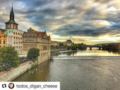 #Repost @todos_digan_cheese  Cielos de Praga #skyporn #praha #czechrepublic #uruguayaenpraga #praga