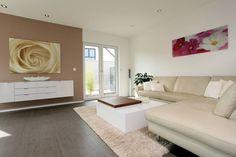 VIO 302 - Wellness Starter-Haus: moderne Wohnzimmer von FingerHaus GmbH
