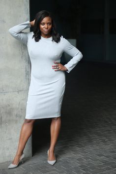 #sheathdress #blackhalo #luxurywithoutlimits #11honore #monochrome Monochrome Fashion, Work Fashion, Fashion Women, Style Blog, Sheath Dress, Dress Black, Plus Size Fashion, Preppy, Halo