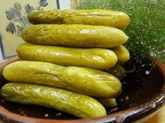Domácí kvašáky jsou nejchutnější. Czech Recipes, Ethnic Recipes, Preserves, Pickles, Cucumber, Sausage, Food And Drink, Canning, Meat